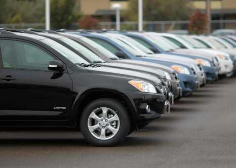Россияне стали покупать более дорогие машины. Продажи машин стоимостью от 25 до 35 тысяч долларов США выросли на 16 процентов. Фото: Justin Sullivan/Getty Images