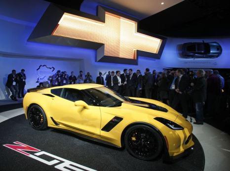 Новый Chevrolet Corvette Z0-6 представили среди премьер 2014 года на пресс-показе автосалона в Детройте 13 января. Фото: Bill Pugliano/Getty Images