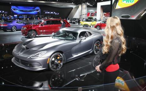 Chrysler 2015 SRT Viper на пресс-показе международного автосалона в Детройте 14 января 2014 года. Фото: Scott Olson / Getty Images