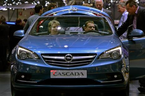 Opel Cascada 6 марта 2013 года в Женеве. Фото: Harold Cunningham/Getty Images