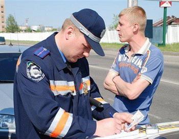Столичных водителей будут штрафовать за объезд заторов на дороге через дворовые территории. Фото с сайта zolausa.info