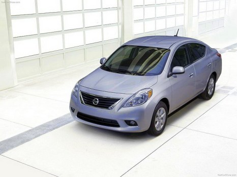 2012 Nissan Versa. Фото: NETCARSHOW.COM