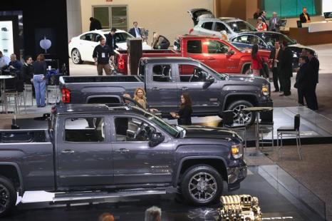 Грузовики GMC на пресс-показе Североамериканского автосалона в Детройте, 15 января 2013 года. Фото: Scott Olson / Getty Images