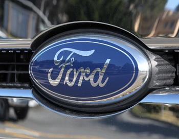 Логотип Ford. Фото: Justin Sullivan / Getty Images