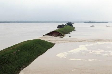 Наводнения в Китае. Июнь 2010 год. ФотоSTR/AFP/Getty Images