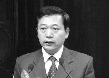 Чжао Сяньчун, начальник орготдела райкома партии Нинся-Хуэйского автономного района вскрыл себе вены в пекинском отеле