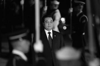 Лидер компартии Ху Цзиньтао пытается усилить свою власть, создавая многочисленные партийные организации. Фото: Getty Images