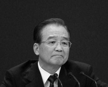 Начиная с речи в августе 2010, посвященной 30-летию Специальной экономической зоны, статус которой получил город Шэньчжэнь, Вэнь Цзябао призывал к проведению политических реформ 11 раз, однако официальные СМИ КПК эти призывы почти не заметили. (Feng Li/Getty Images)