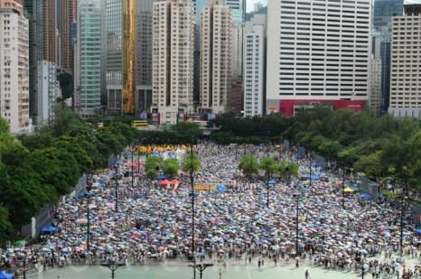 1 июля на ежегодной «акции протеста» присутствовало более 400 000 участников в 2012 году. Фото: Великая Эпоха (The Epoch Times)