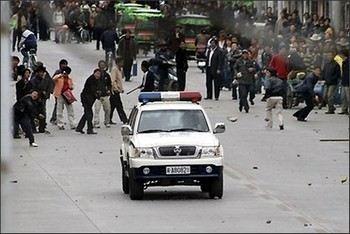 Беспорядки в Лхасе. Фото с savetibet.ru