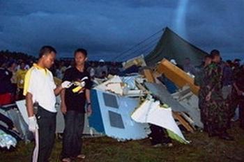 7  мая в Индонезии потерпел крушение самолет китайского производства