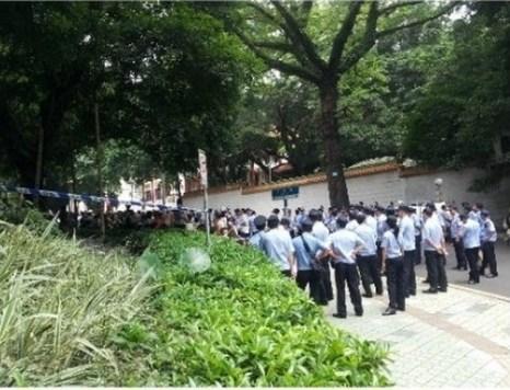 Протест против строительства мусоросжигающего завода. Город Гуанчжоу провинции Гуандун. Июнь 2012 год. Фото с epochtimes.com