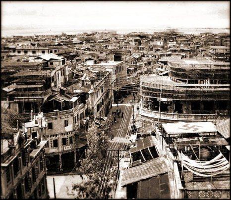 Нацистская свастика на крыше здания, чтобы японская авиация не бомбила этот район (во время Второй мировой войны был военно-политический блок «Державы оси», в который входили Германия, Япония и Италия). Фото с kanzhongguo.com
