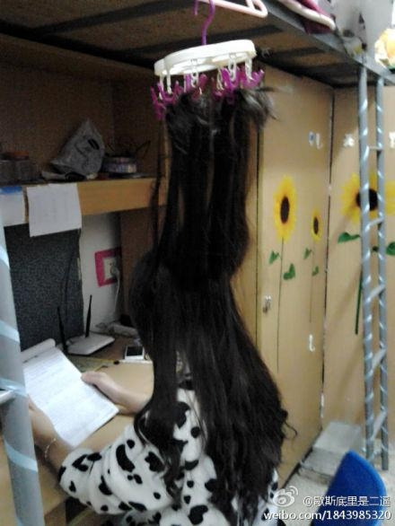 Китайские студенты придумывают оригинальные способы заставить себя готовиться к экзаменам. Фото с epochtimes.com