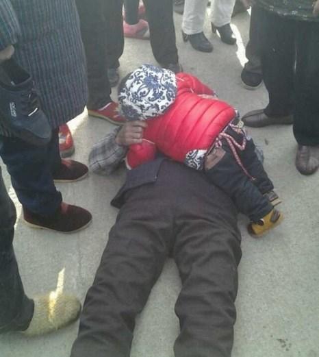 Пострадавший во время полицейского подавления протеста крестьян. Провинция Чжэцзян. Февраль 2014 года. Фото с epochtimes.com