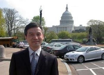 Профессор Хэ Вэйфан. Фото: Голос Америки