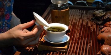 Обучение чайному искусству даёт значимый эффект для улучшения и изменения характера. Фото: Logatfer / Flickr