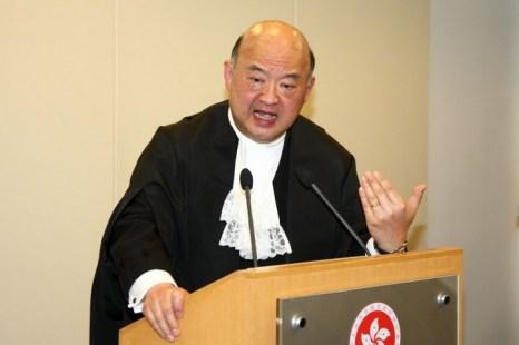 Председатель Верховного суда Джеффри Ма Тао-Ли выступает с речью на церемонии открытия. Фото: Epoch Times