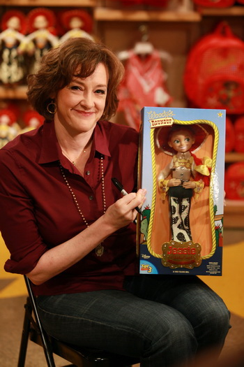 Актриса Джоан Кьюсак озвучивает куклу Джесси. Фото: Barry Brecheisen/Getty Images for Disney