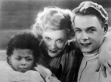 Любовь Орлова. Кадр из кинофильма «Цирк» (1936). Фото с сайта kino-teatr.ru