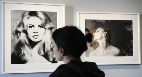 Две жизни Брижит Бардо. 23 июня 2010 года открылась выставка Брижит Бардо в рыбацком поселке французской ривьеры Сен-Тропе. Фото: BERTRAND GUAY/AFP/Getty Images