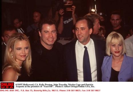 Келли Престон и Джон Траволта, Николас Кейдж и Патриция Аркетт на премьере фильма «Без лица». 1997 год. Фото: STR/AFP/GettyImages