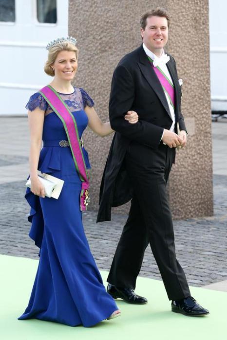 Принц Хубертус Саксен-Кобург-Гота с женой Келли на свадьбе принцессы Мадлен и Кристофера ОНила в Швеции. Фото: Vittorio Zunino Celotto/Getty Images