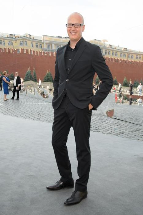 Вадим Верник посетилзакрытый показ Christian Dior на Красной площади в Москве 9 июля 2013 года. Фото: Victor Boyko/GettyImages for Dior