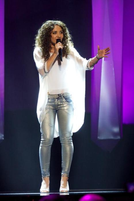 Наталия Келли выступает в первом полуфинале Евровидения-2013 в Мальмё. Фото: Janerik Henriksson / SCANPIX/AFP/Getty Images