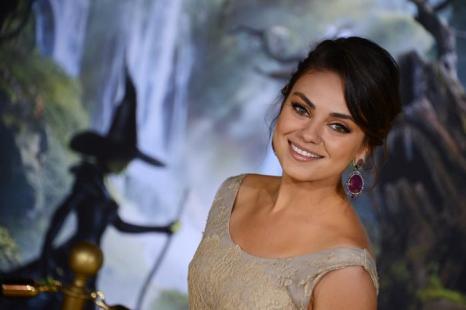 Мила Кунис заняла 9 место в списке из 10 самых высокооплачиваемых актрис Голливуда, опубликованном журналом Forbes 29 июля 2013 года. Фото: ROBYN BECK/AFP/Getty Images