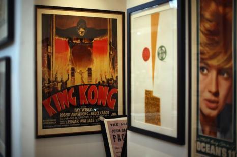 Оригиналы плакатов фильмов в преддверии выставки изобразительного искусства и антиквариата 2013. Фото: Dan Kitwood/Getty Images