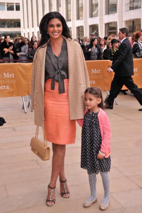 Рейчел Рой с дочерью на открытии весеннего сезона американского театра балета 13 мая 2013 года. Фото: Stephen Lovekin/Getty Images