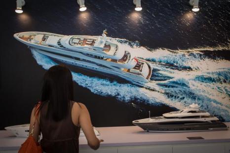 Самые роскошные яхты мира представили в Сингапуре. Фото: Chris McGrath / Getty Images