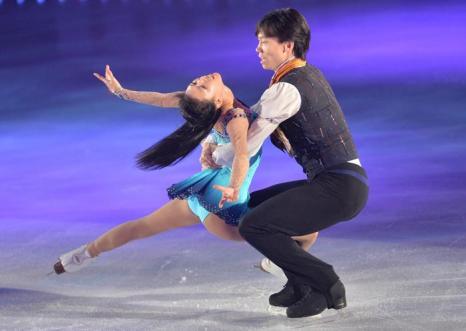 Шоу «Друзья на льду» с участием японских фигуристов, а также россиянки Ирины Слуцкой, прошло в городе Иокогама 22 августа 2013 года. Фото: Atsushi Tomura/Getty Images