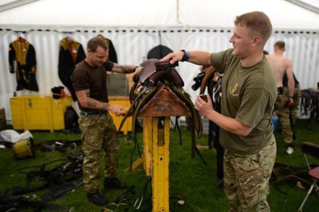 Отряд Королевской конной артиллерии подготовился к выступлению на ярмарке в Чатсворте, графство Дербишир (Великобритания), 29 августа 2013 года. Фото: Nigel Roddis/Getty Images