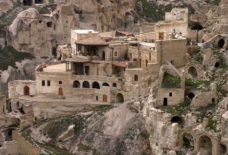 Каппадокия – волшебный город, где дома вырублены прямо в скалах, Турция. Фото: Brocken Inaglory/commons.wikimedia.org