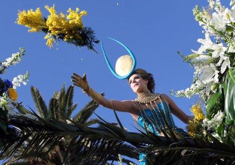 Карнавал в Ницце - самый красивый и шумный праздник на Лазурном побережье, приходящий в Ниццу во второй половине февраля. Фото: SEBASTIEN NOGIER/AFP/Getty Images