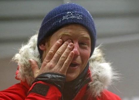 Британский принц Гарри на днях прошёл настоящее испытание холодом, просидев в холодильной камере с температурой -30 градусов по Цельсию 20 часов, 17 сентября 2013 года. DARREN STAPLES/AFP/Getty Images