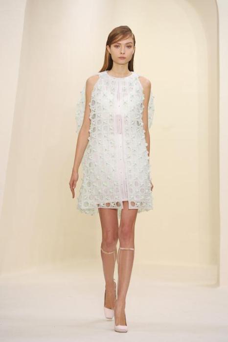 Модный бренд Christian Dior представил кутюрную женскую коллекцию лето-осень 2014 на парижской Неделе высокой моды 20 января. Фото: Pascal Le Segretain / Getty Images