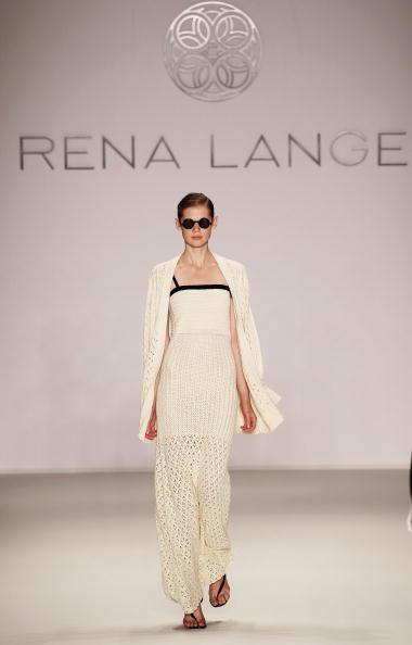 Показ коллекции Rena Lange весна-лето 2011 на Неделе моды Mercedes Benz в Берлине. Фото: Andreas Rentz/Getty Images