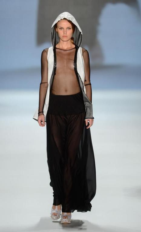 Коллекция Кристиано Burnai на неделе моды Mercedes-Benz Fashion весна-лето 2013.  Фоторепортаж. Фото: Samir Hussein/Getty Images