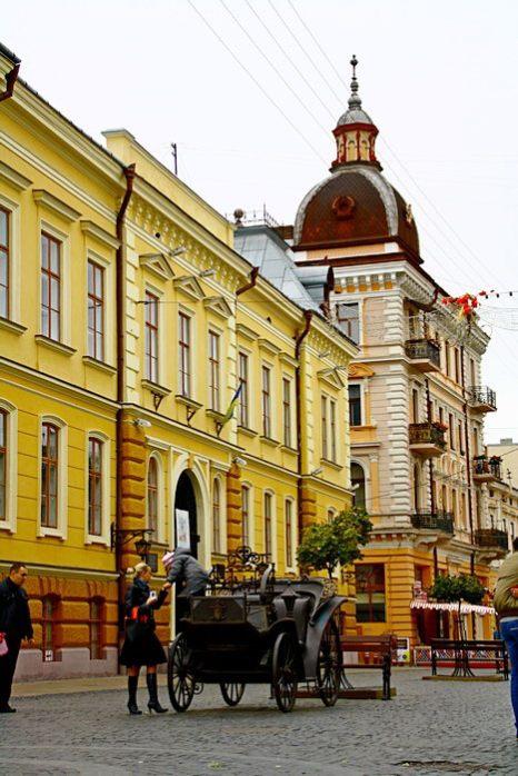 Улица Ольги Кобылянской всегда была предназначена только для пешеходов.  Фото: Сергей Ярош