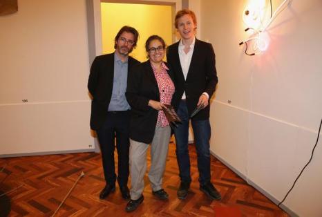 (л) Художники Олафур Элиассон и Тасита Дин посетили выставку. Фото: Vittorio Zunino Celotto/Getty Images for Prada