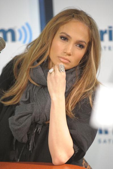 Дженифер Лопес в студии SiriusXM, 1 февраля 2011 в Нью-Йорк. Фото:  Michael Loccisano/Getty Images