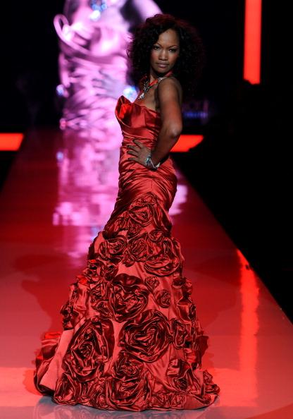 Шоу Heart Truth в рамках Mercedes Benz Fashion Week 2011 , 9 февраля 2011, Линкольн-центр, Нью-Йорк.    Фото: Frazer Harrison/Getty Images