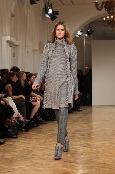 Коллекция  сезона осень-зима 2011 на лондонской Неделе моды (London Fashion Week), 21 февраля   2011, Лондон, Англия. Фото: Tim Whitby/Getty Images