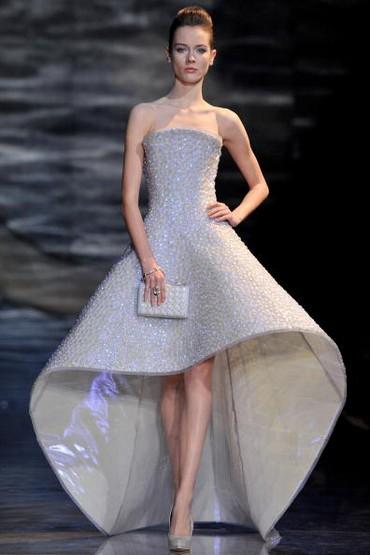 Коллекция Giorgio Armani  весна-лето – 2010 на Неделе моды в Париже. Фото: Pascal Le Segretain/Getty Images