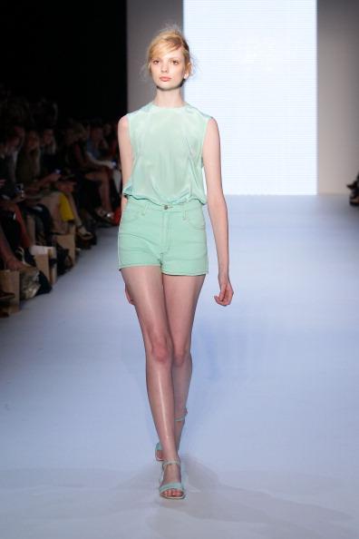 Фоторепортаж. Коллекция Arnsdorf на Австралийской неделе моды 2011/12. Фото: Matt King/Getty Images