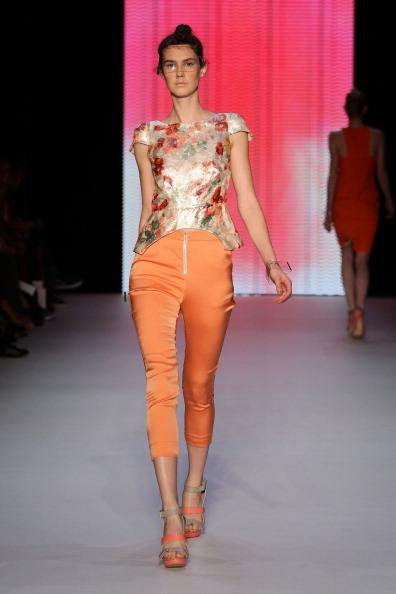 Фоторепортаж. Коллекция White Suede на Австралийской неделе моды весна-лето 2011/12. Фото: Matt King/Getty Images
