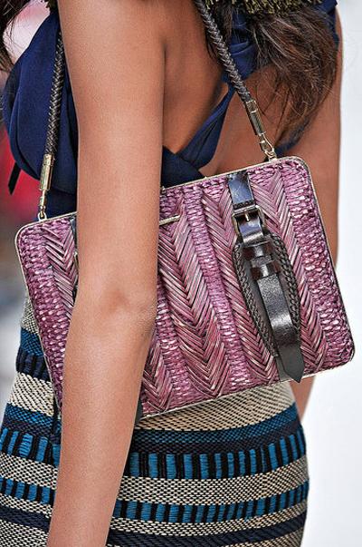 Плетеная сумка – новый тренд лета 2012. Фото: millionlooks.com
